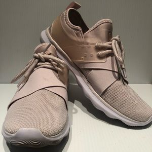 Champion Women's Blush Poise 2Foam Sneakers Size 9